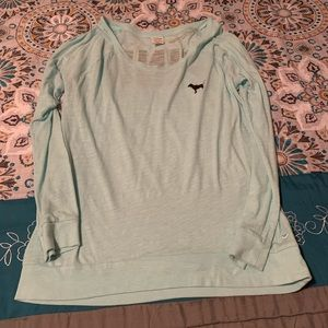 Women's scoop neck shirt.